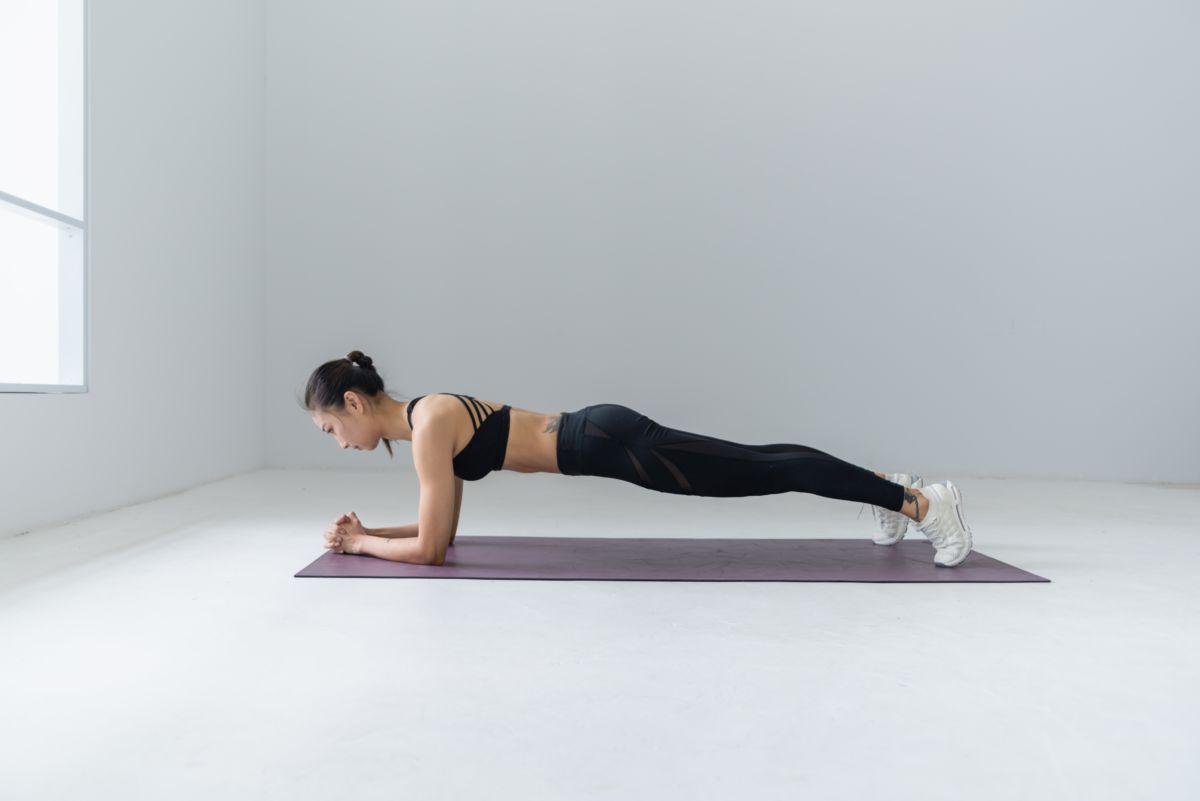 esercizio plank eseguito perfettamente